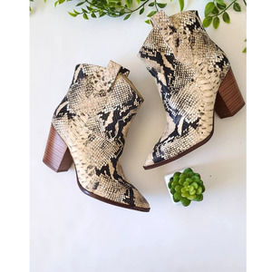 Gibson & Latimer Gia Snake Western Booties Size 6